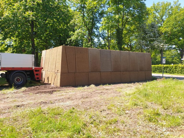 Sustainable noise barriers installed in Westerbork